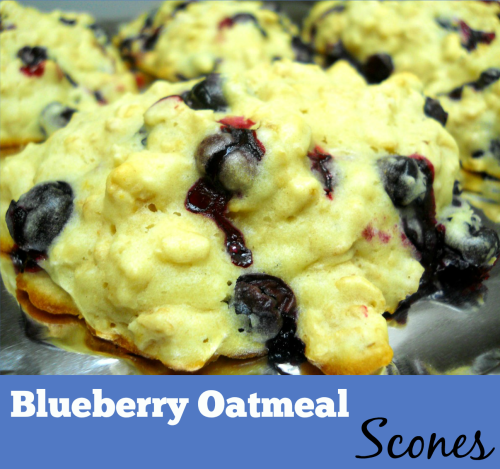 Blueberry Oatmeal Scones / from TheSirensTale.com