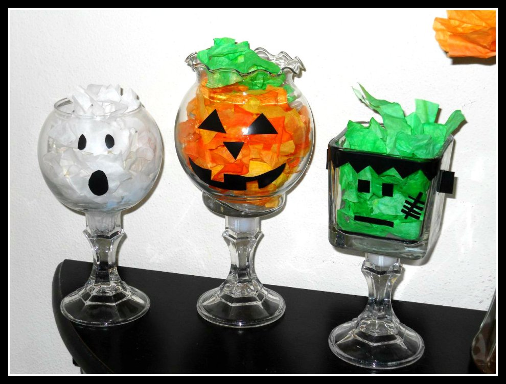 DIY Craft: Halloween Decorative Bowls