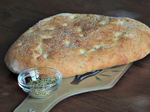 Homemade Rosemary & Basil Focaccia Bread Loaf / from TheSirensTale.com