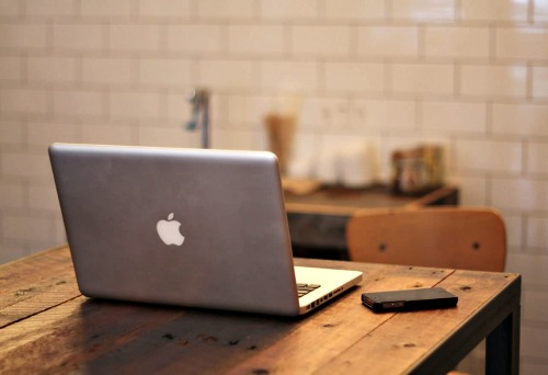 Apple Laptop on Table / Stock Photography from unsplash.com / Image from TheSirensTale.com