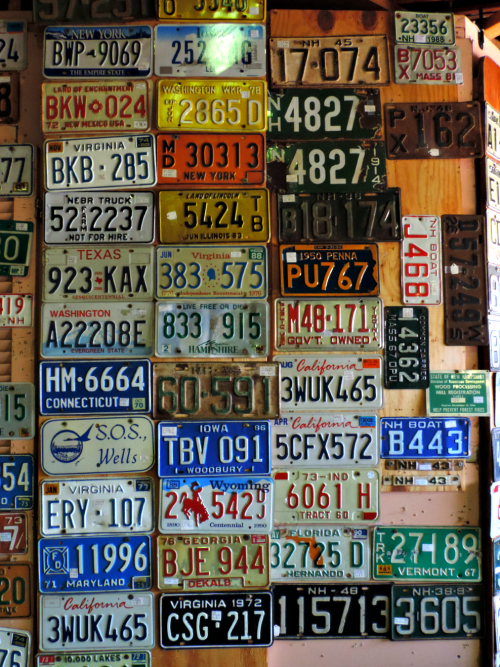 License Plate Wall / from TheSirensTale.com